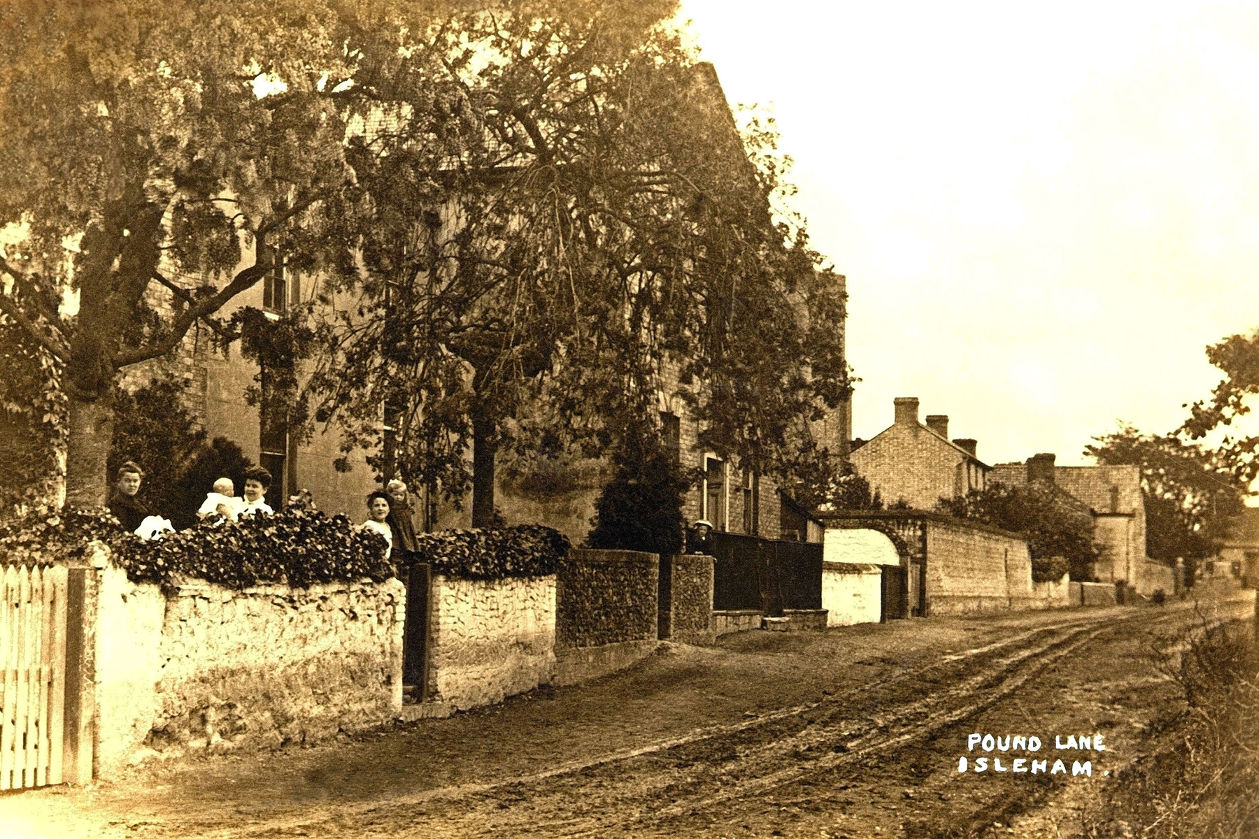 Isleham Pound Lane 1890 copy.jpg - Pound Lane, Chapel centre  1890's